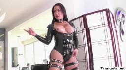 TS Nina Lawless dominates Katrinas pussy