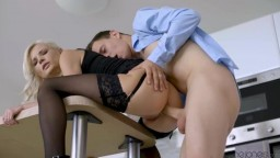 Zazie Skymm - Afternoon anal with perfect blonde