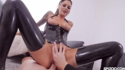 Gia Dimarco - Hot POV Action With Busty Brunette