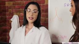 Scientist n cop kiss to make potion work
