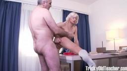 Lola Shine - Blondie rewards old teacher for his hard job