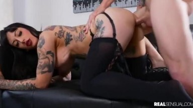 Jessie Lee - Passion And Luxury With Busty Tattooed Babe