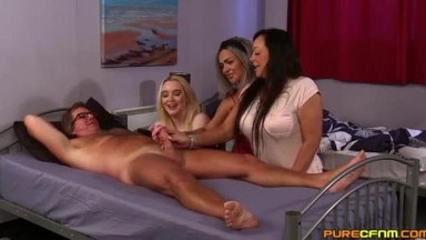 Alana Bliss, Lana Harding And Scarlett Rose - Cousins Sleep Over