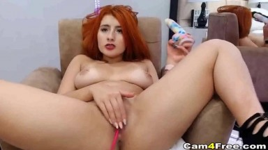 Bigtits hardcore pussy toying on cam